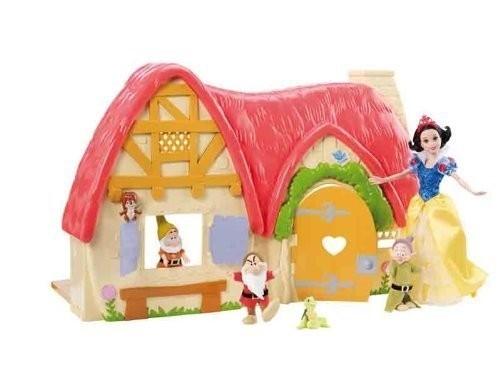 La casa di Biancaneve e i 7 nani