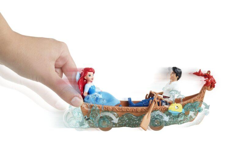 Ariel e Eric Gita in Barca