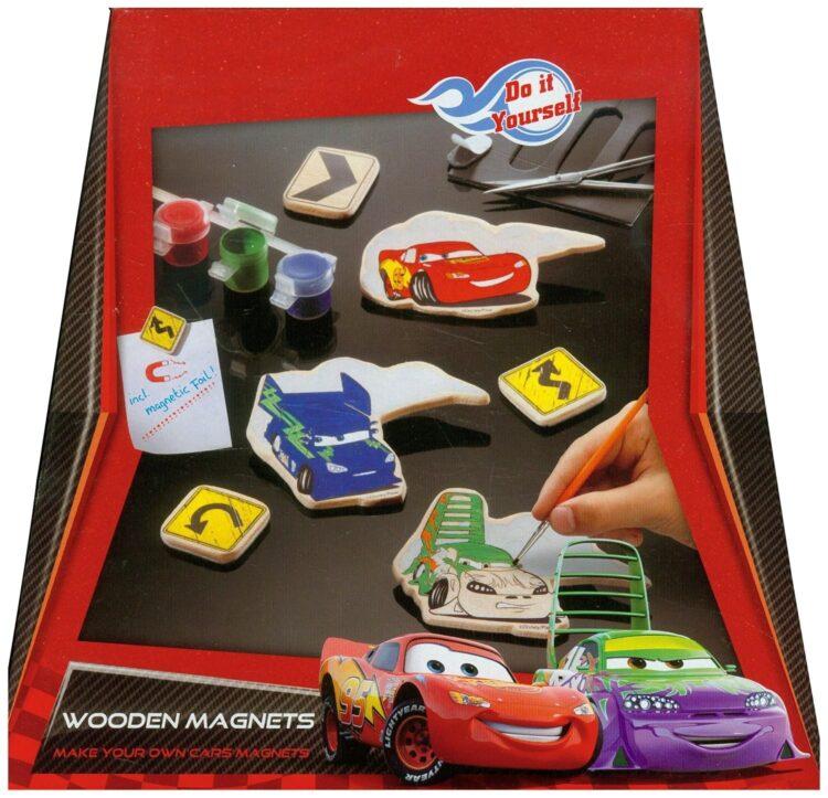 Colora magneti in legno di Cars