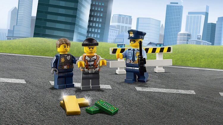 LEGO City 60141 - Set Costruzioni Stazione di Polizia